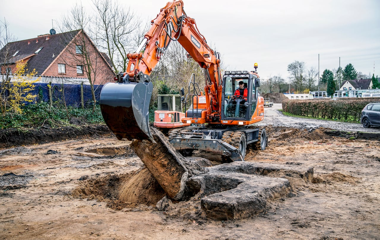 The City Of Hamburg Just Destroyed A Giant Swastika With Bulldozers