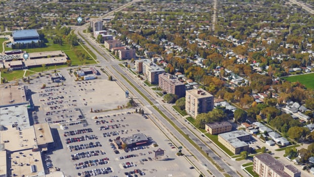 This stretch of Grant Avenue generates more mobile photo-radar tickets than any other location in Winnipeg, according to a CBC News analysis of almost 23,000 tickets handed out over four months in 2016.
