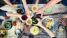 No one eats alone - food & community
