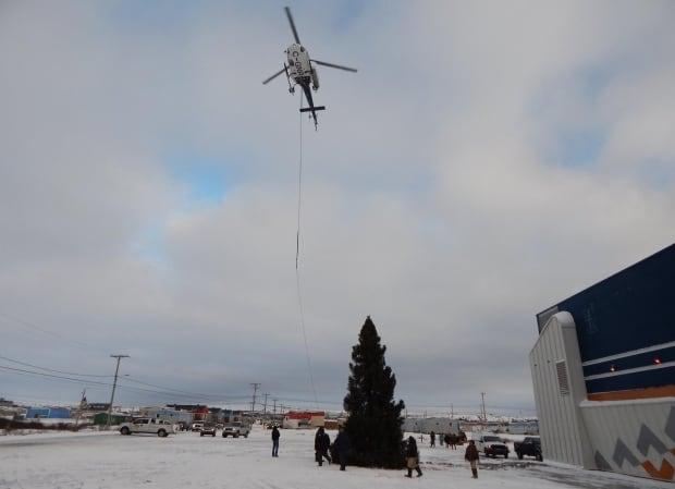 Kuujjuaq christmas tree drop delivery