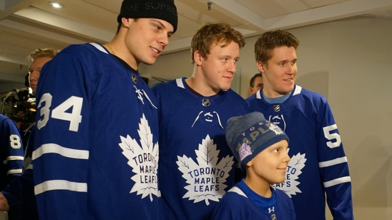 quality design 13659 9e042 Maple Leafs lift spirits on their annual SickKids visit ...
