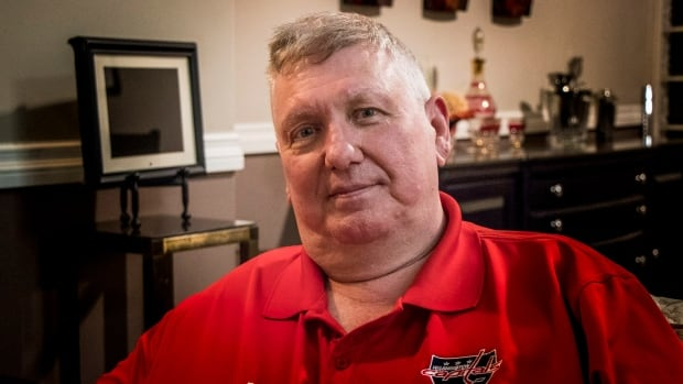 Walter Peat says his son, former NHL player Stephen Peat, is living on the streets of B.C. and suffering from concussion-related symptoms common to chronic traumatic encephalopathy (CTE).