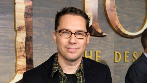 Bryan Singer has left the Queen biopic Bohemian Rhapsody in the middle of production.