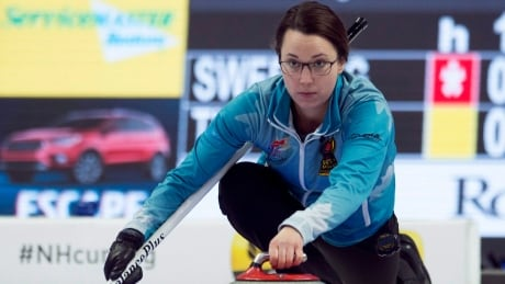 Val Sweeting's rally continues at Olympic curling trials thumbnail