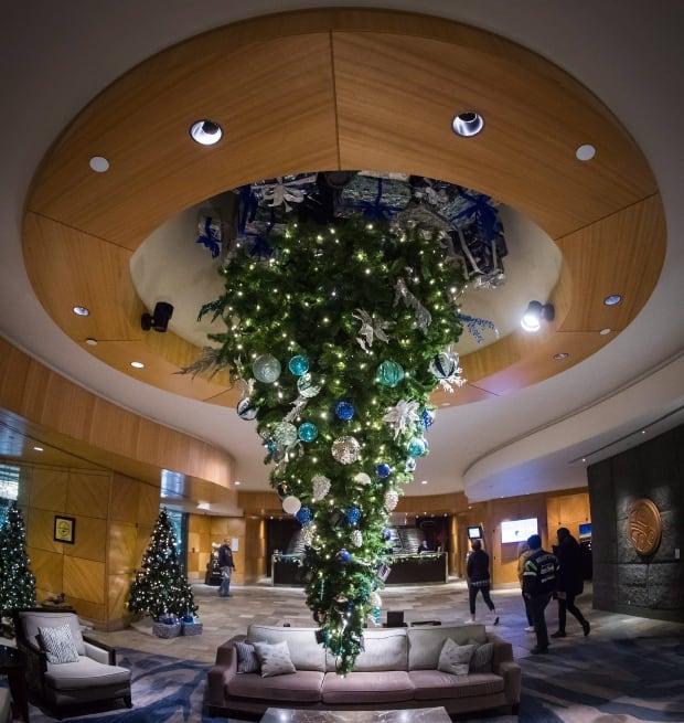 Upside Down Christmas Trees 20171205