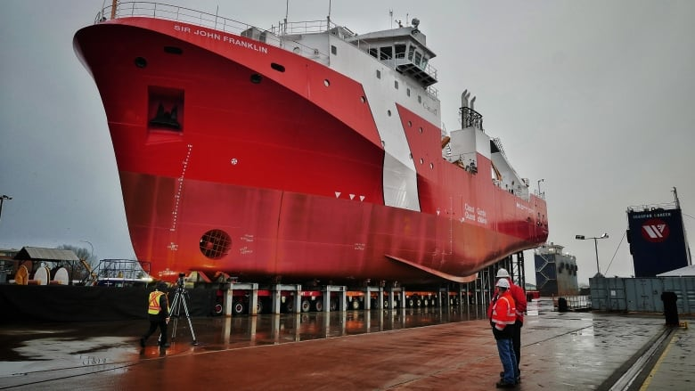 Crash threatens Vancouver shipyard's schedule for new coast guard