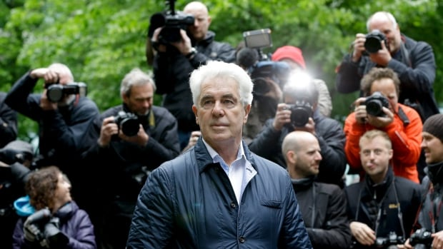 Prominent media PR and celebrity publicist, Max Clifford, died Sunday at the age of 74 while serving a prison sentence.