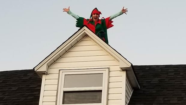 Sheri Gillam made her debut this Christmas as a real life Elf on the Shelf by posing on the roof of her Bonavista, N.L., home.
