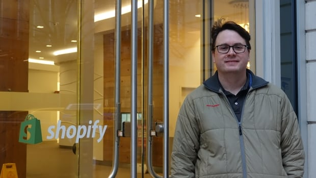Jason White is taking a sabbatical from Shopify for three months to work down the street at Canadian Digital Services, a new federal government unit.