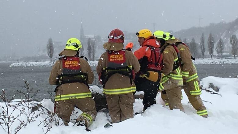 Quebec City man dies after boat capsizes | CBC News