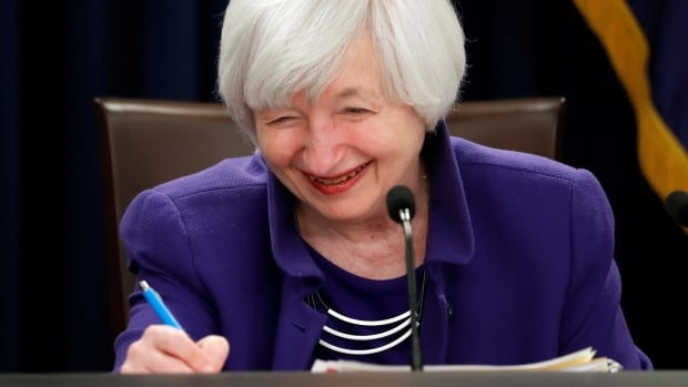 Mortgages unchanged immediately after Fed hikes rates: Why?