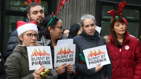 Federal workers call on government to fix issues surrounding Phoenix payroll system