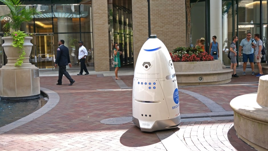 A K5 security robot made by the company Knightscope, similar to the one used by the SPCA in San Francisco.