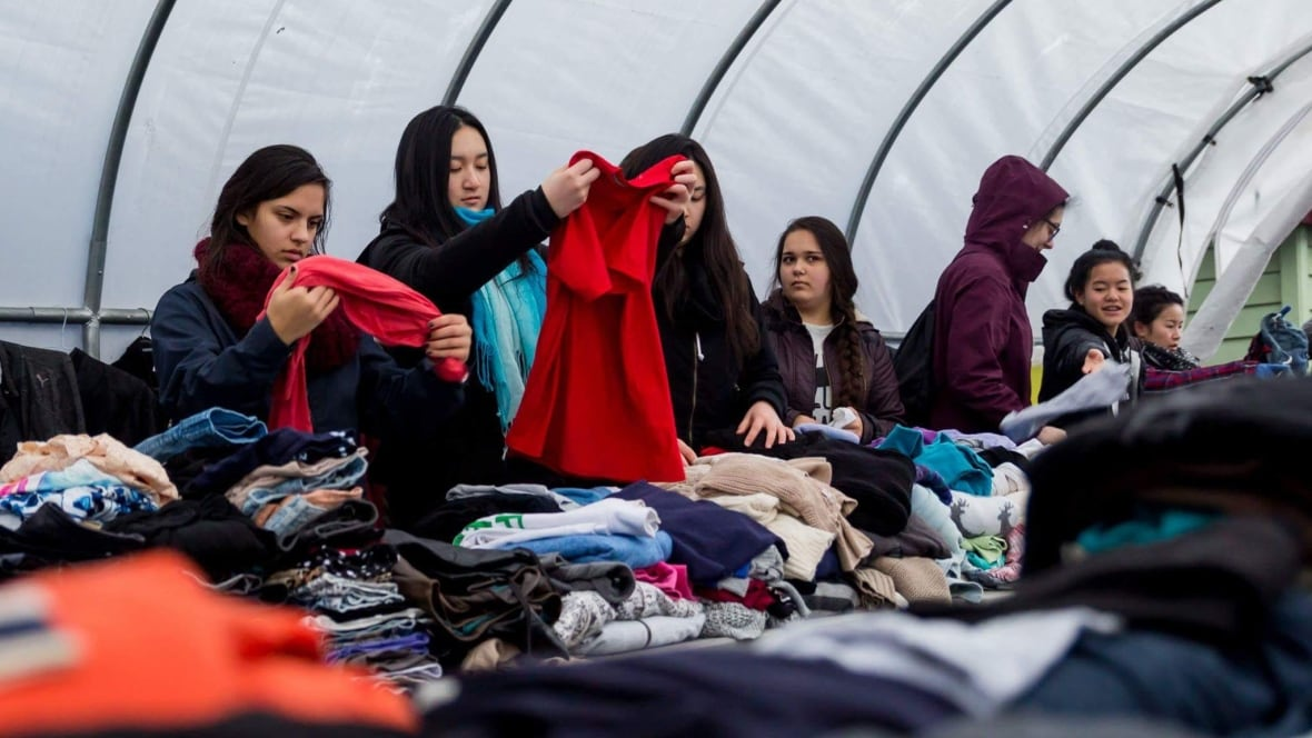 Shop of donations: Pop-up store in Downtown Eastside sells only free items