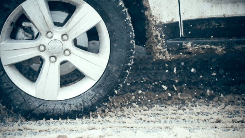 Winter Tires Quebec >> Winter Tires A Must As Of Today In Quebec Cbc News