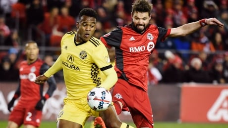 Defensive stalwart Drew Moor re-signs with TFC thumbnail