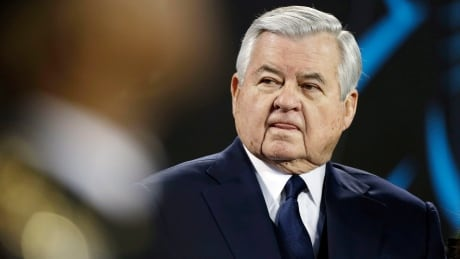Owner Jerry Richardson gives up day-to-day control of Panthers thumbnail