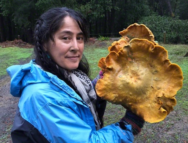 Dusty Yao with Jack o' Lantern mushroom