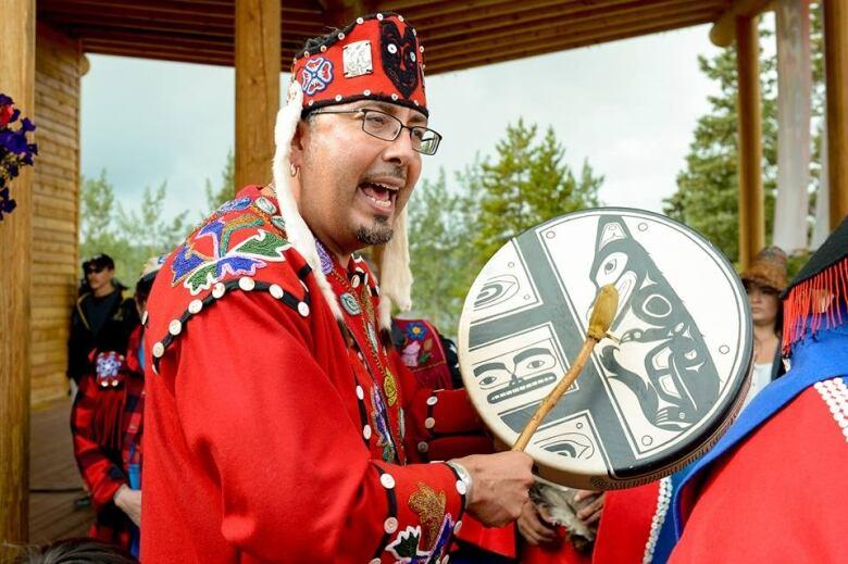 Tlingit language course connects Yukon and Alaska communities