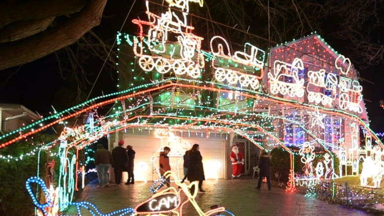 Doug Musson died when he fell from a ladder while tending to his famous  light display in Burlington, Ont. (Musson's Famous Christmas Display) - Man Who Put Up Famous Burlington, Ont., Christmas Light Display Dies