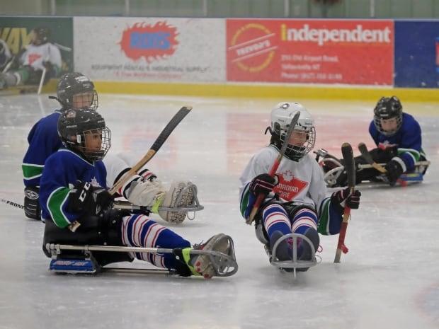 Yellowknife-sledge-hockey-team