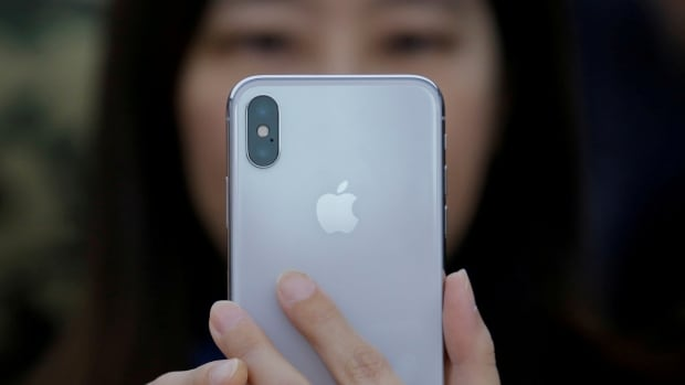 Apple admits to slowing older iPhones over battery issues
