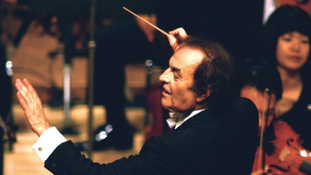 Conductor Charles Dutoit, who has been accused of sexual misconduct, has stepped down as artistic director and principal conductor of the Royal Philharmonic Orchestra.