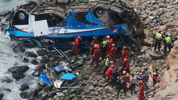 Peru Pasamayo: Many killed as coach plunges off cliff