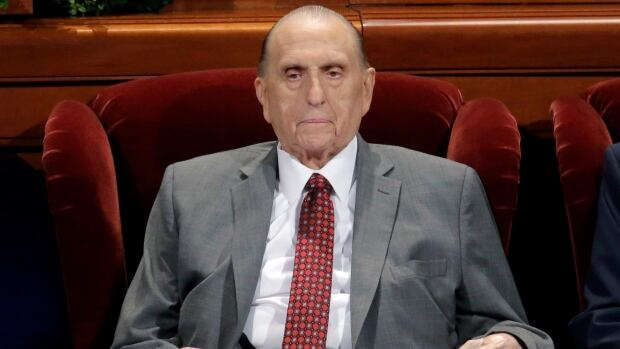 Head of Mormon Church worldwide dies at 90