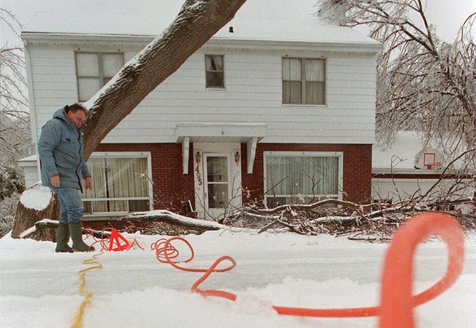 ice storm extension cord 1998 ottawa house clayton rubec