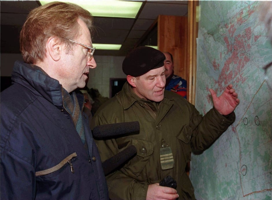 ICE STORM Walter Natynczyk  Art Eggleton briefing metcalfe ottawa 1998