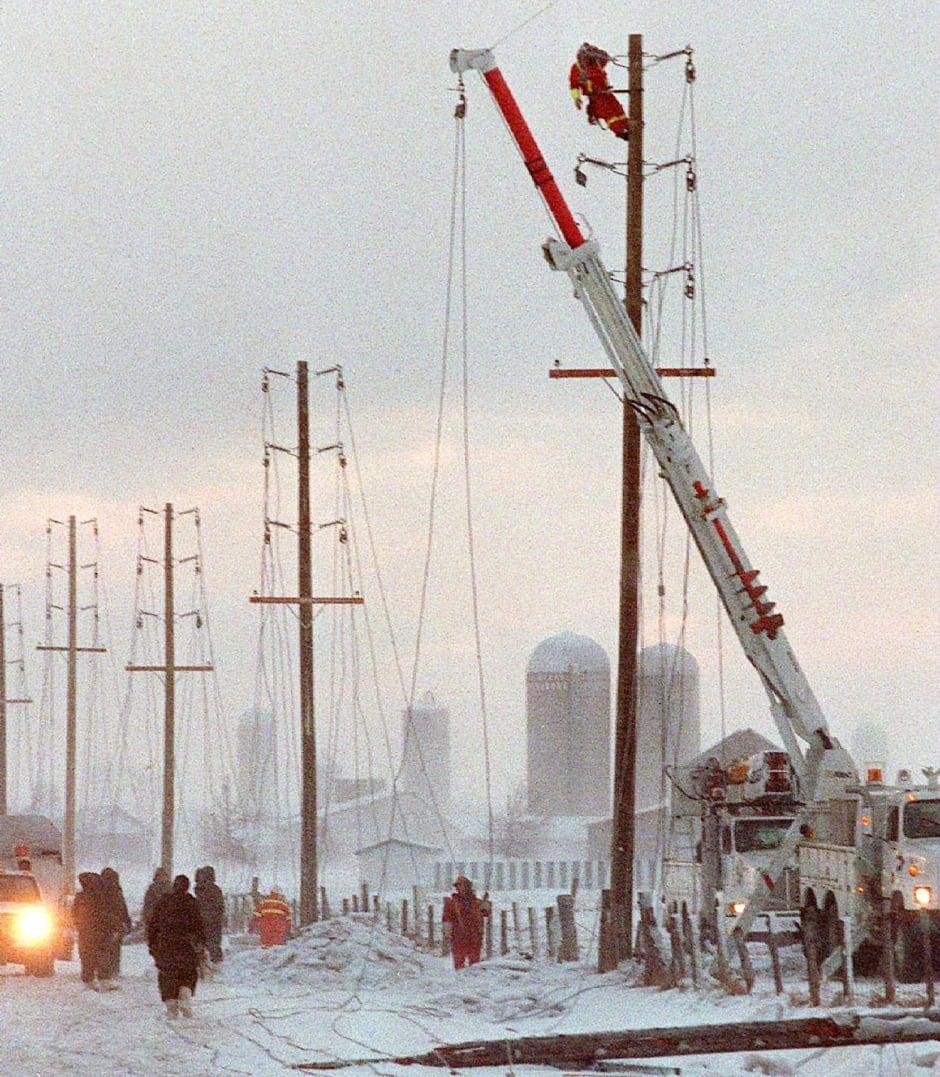 ICE STORM hydro workers saint isidore ottawa 1998