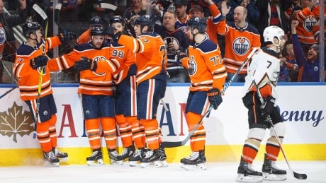Speedy McDavid, shot-blocking specialist Russell lead way for Oilers thumbnail
