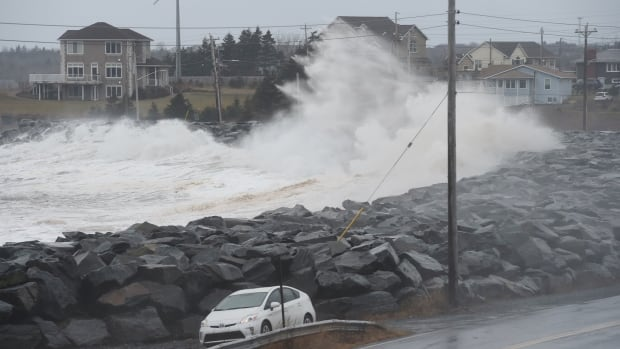 storm surge in cow bay jan 5 2018.'