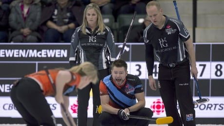 mixed-doubles-curling-1180