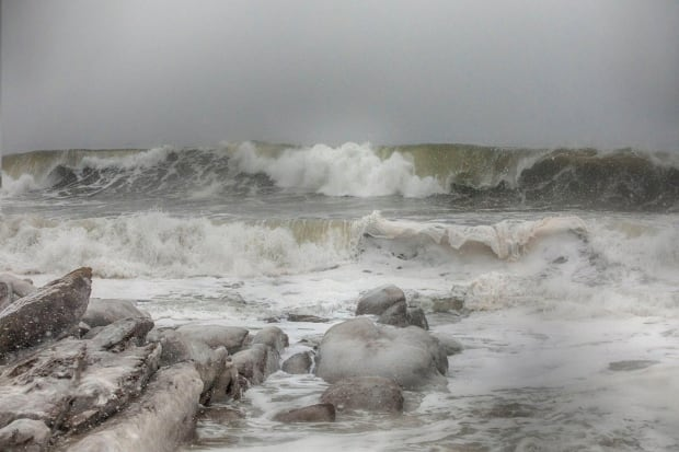 Gaspe waves - winter storm