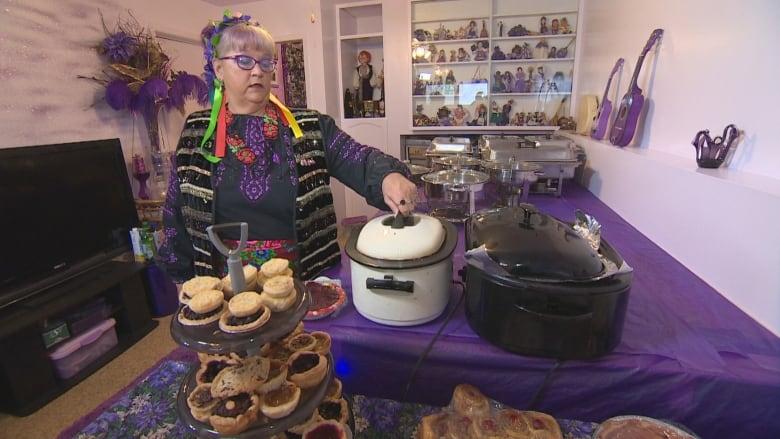 Ukrainian Christmas.Keeping Traditions Alive For Ukrainian Christmas Cbc News