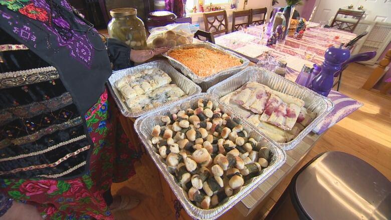 Keeping Traditions Alive For Ukrainian Christmas Cbc News