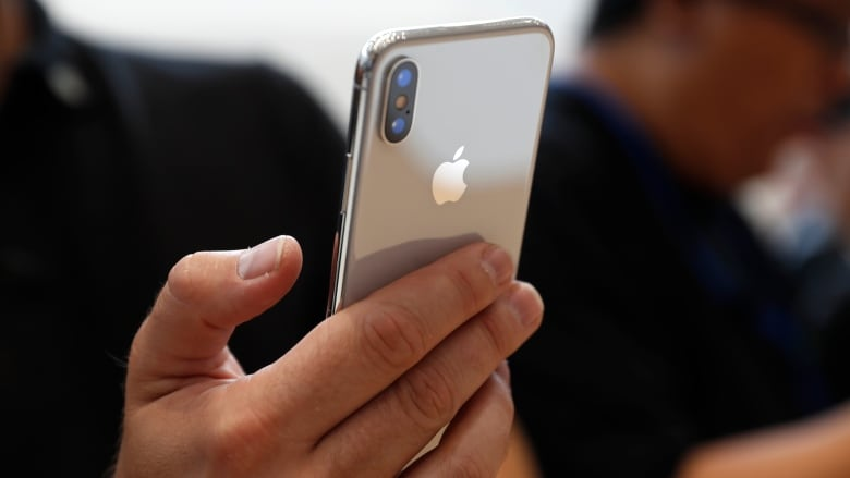 Apple sees 'strong demand' for replacement iPhone batteries