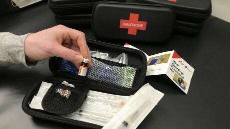 Naloxone kits distributed by Alberta Health Services may not contain naloxone thumbnail