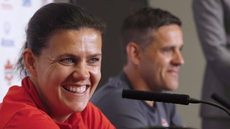 Christine Sinclair clarifies response to Herdman's move