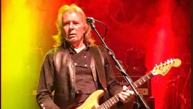 Former Motorhead guitarist Fast Eddie has died aged 67. Edward Clarke died Wednesday in hospital while being treated for pneumonia, the band said online.