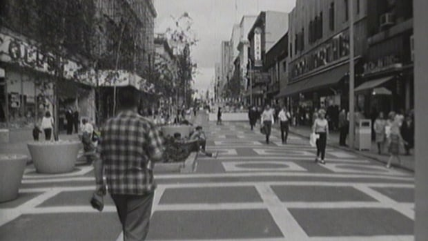 Here's what Sparks Street Mall looked like right after it opened. Look at that pavement!