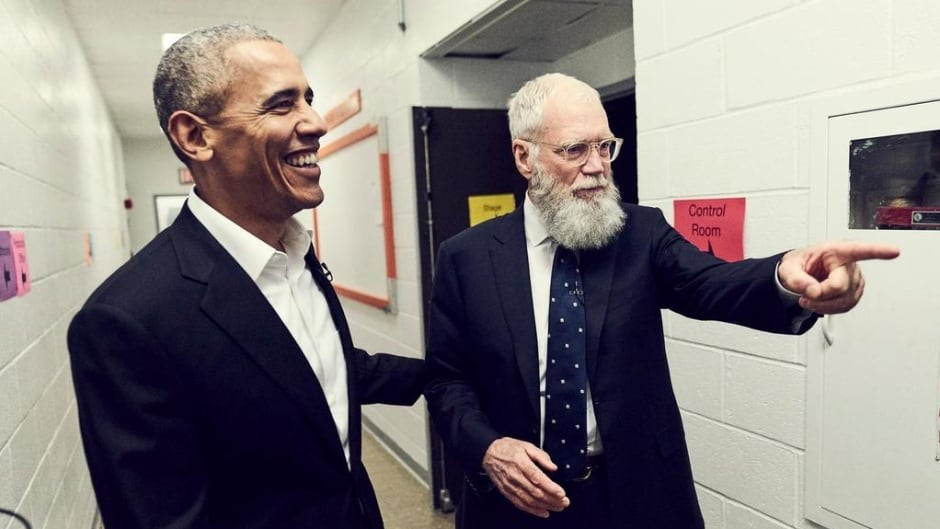David Letterman backstage with his first guest former U.S. President Barack Obama, on his new Netflix show 'My Guest Needs No Introduction&#39