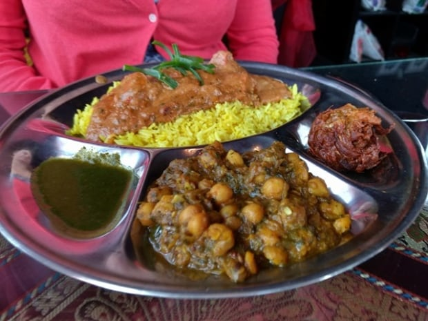 Curry's Restaurant serves Indian food
