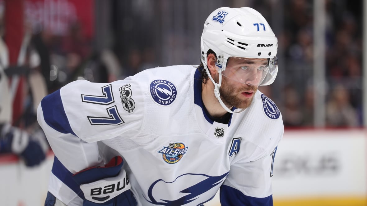 Lightning's Victor Hedman suffers injury in collision