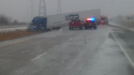 Chatham-Kent OPP respond to more than 15 weather-related incidents in 4 hours thumbnail