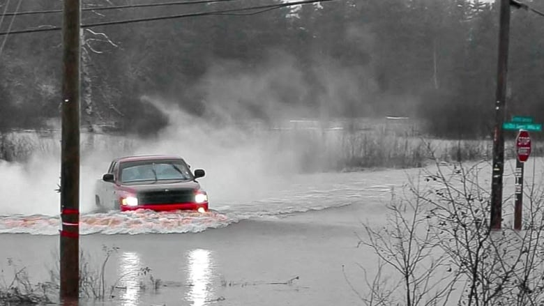 Flooding widespread throughout New Brunswick after weekend storm