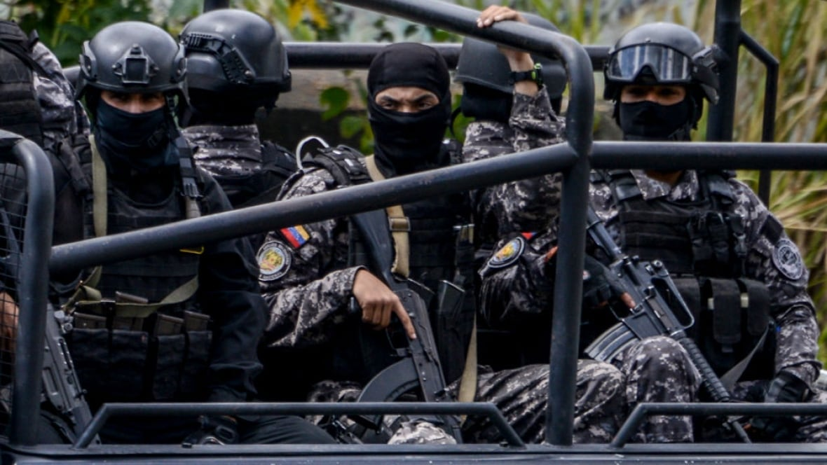 Rogue police officer known as Venezuelan 'Rambo' is cornered by government