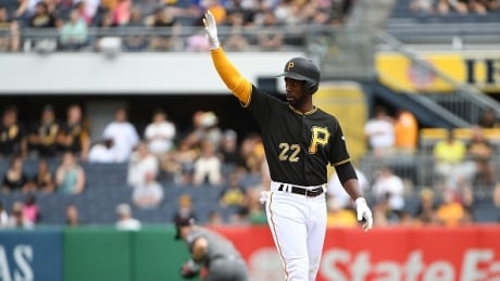 Pirates continue firesale, trade Andrew McCutchen to Giants thumbnail